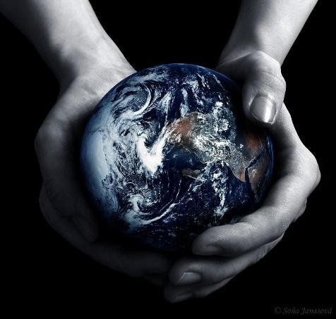 http://1.bp.blogspot.com/_zvhOfxKSe5U/TAUNuUt8R_I/AAAAAAAAAso/fU5SAyEJCF4/s1600/God's+Hands.jpg