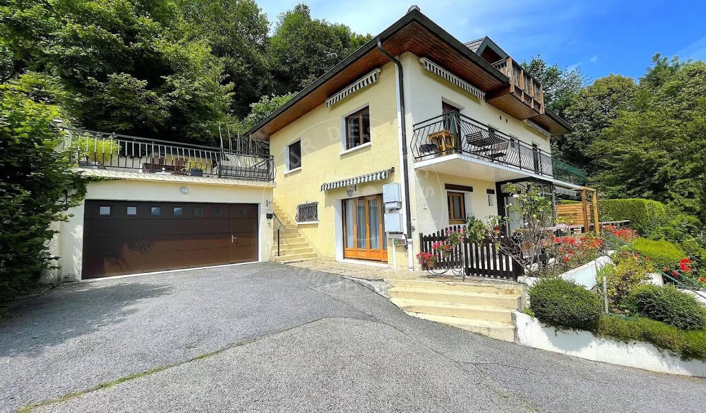 Appartement Menthon-Saint-Bernard