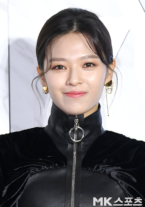 jeongyeon louis vuitton4