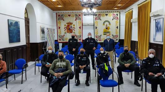 La Policía de Huércal-Overa se forma en el uso de pistolas táser