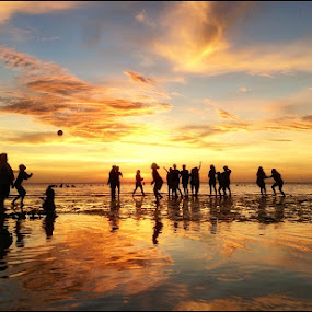 Maravilla! by Dickson   Shia - Landscapes Sunsets & Sunrises ( beach, sunset, silhouette, volleyball,  )