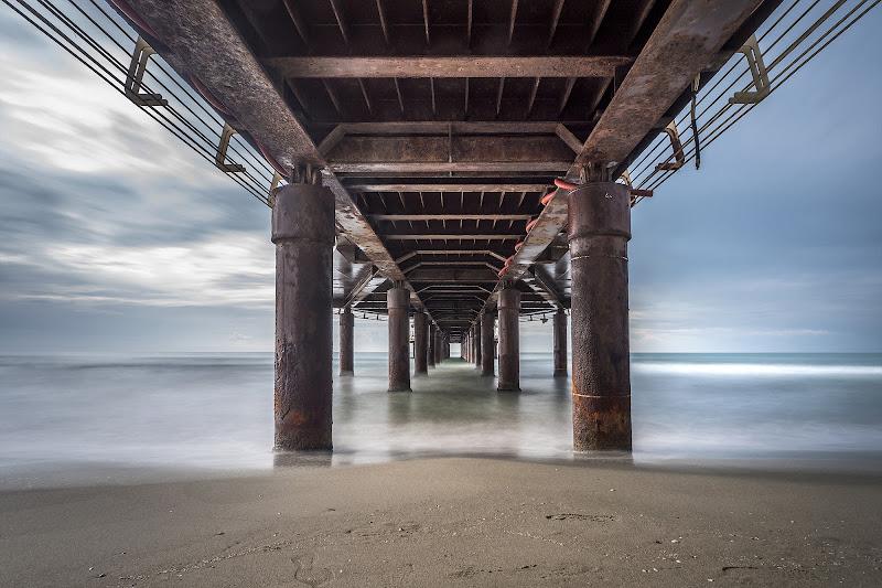 under the pier di carcat