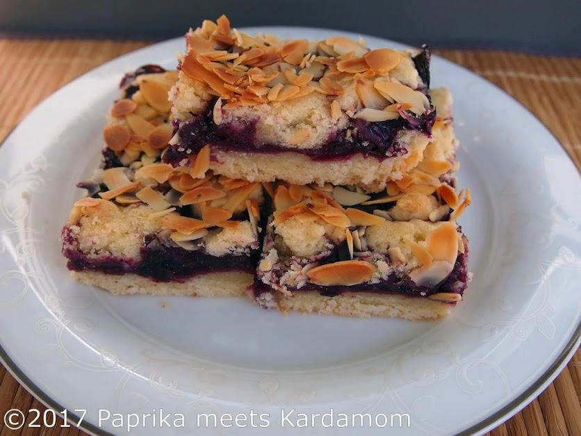 Keks in Kuchenform – Heidelbeer-Mandel-Würfel   Paprika meets Kardamom