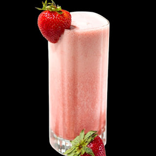 Fresh Strawberry Banana Sunrise Smoothie Recipe with Truvía® Natural Sweetener