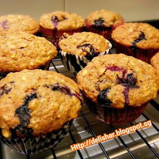 COBB Muffins! (Chia, Oats, Banana, Berry)