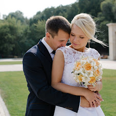 Wedding photographer Zhenya Belousov (Belousov). Photo of 22.10.2015
