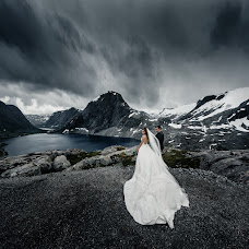 Wedding photographer Igor Bulgak (Igorb). Photo of 26.03.2017