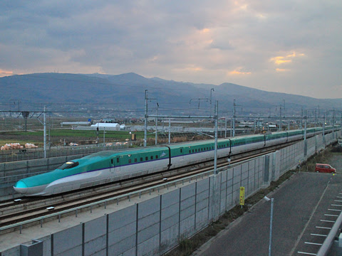 JR北海道 H5系新幹線「はやぶさ10号」 新函館北斗にて