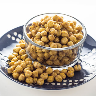 Cheezy Herb Roasted Chickpeas