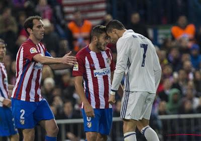 """Cristiano Ronaldo kreeg het aan de stok met Atlético-speler: """"Hij noemde me een homo"""" (maar let vooral op het antwoord van Ronaldo)"""
