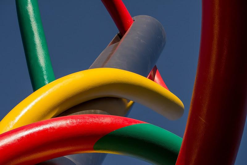 Ricamiamo l'arcobaleno con ago e filo di Concetta Caracciolo