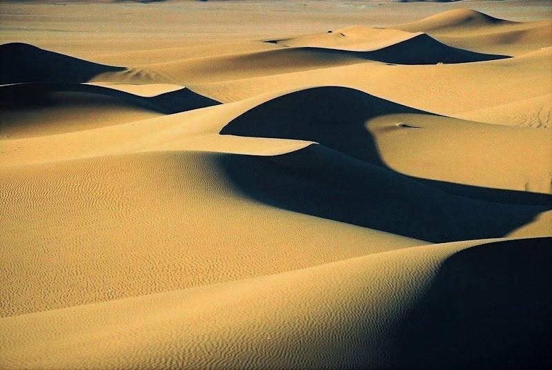 Luci ed ombre nella sabbia di paolo-spagg