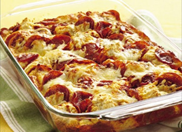 4-ingredient Pizza Bake Recipe
