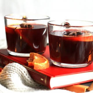 Scandinavian Mulled Wine (Gløgg + Non-Alcoholic Version).