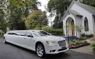 Chrysler 300c Rent Victoria