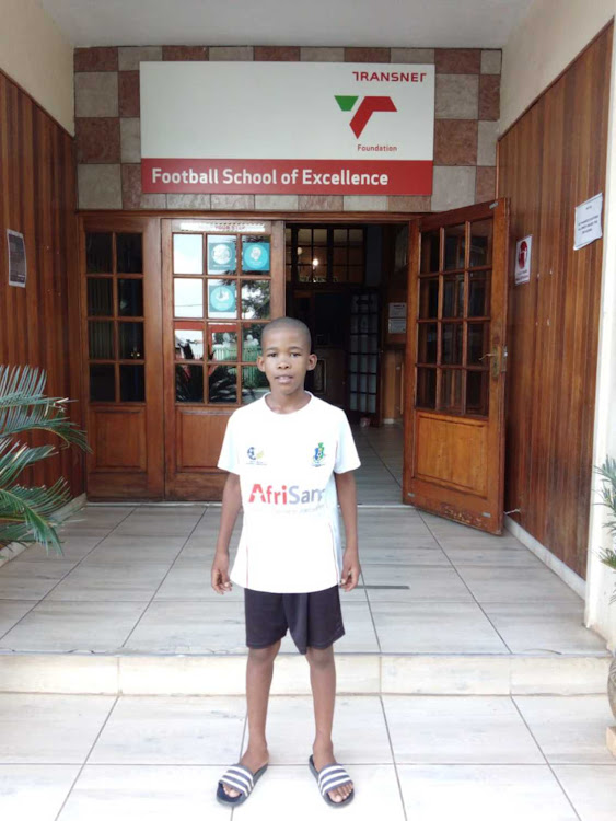 Bakang Mendle has left the North West to pursue his football dreams in Gauteng .
