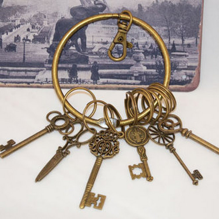 Vintage Style Key Chain (A lot of 6 units) by Artistic Home