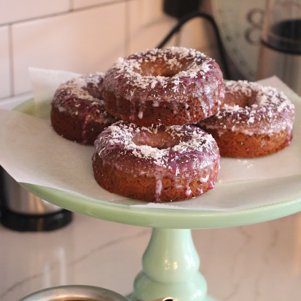 Paleo Low Carb baked donuts (almond and coconut flour)