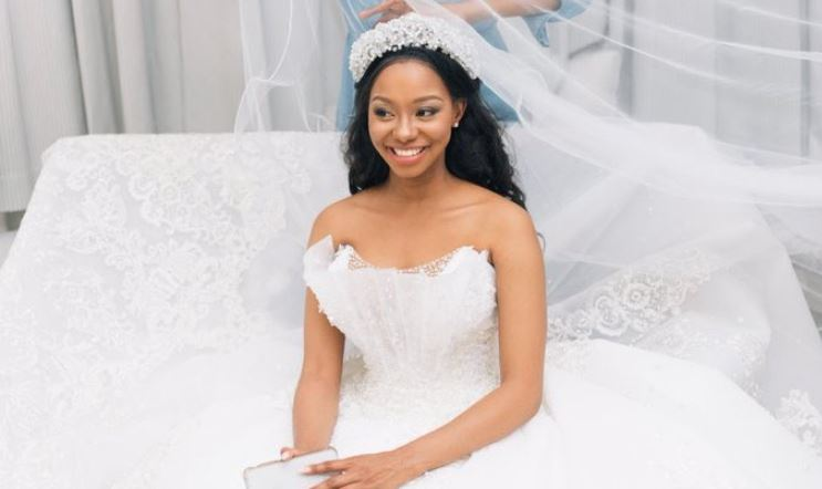 Tumi was glammed up for her wedding on 'The River'.