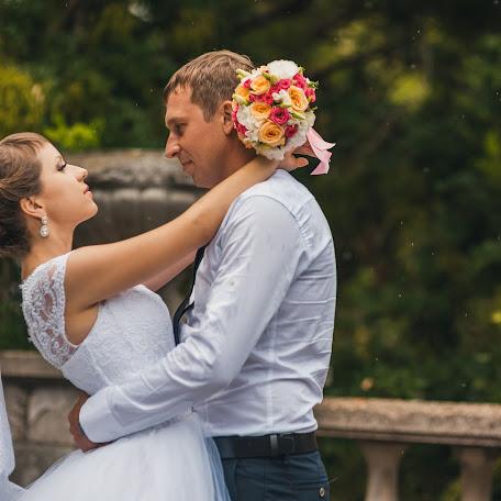 Wedding photographer Oleg Smolyaninov (Smolyaninov11). Photo of 11.10.2017