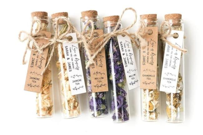 18 Cheap Wedding Favors That'll Make Your Event Look Like A Million $$s