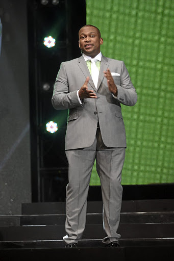 Robert Marawa is back at the SABC with a mega-buck salary.