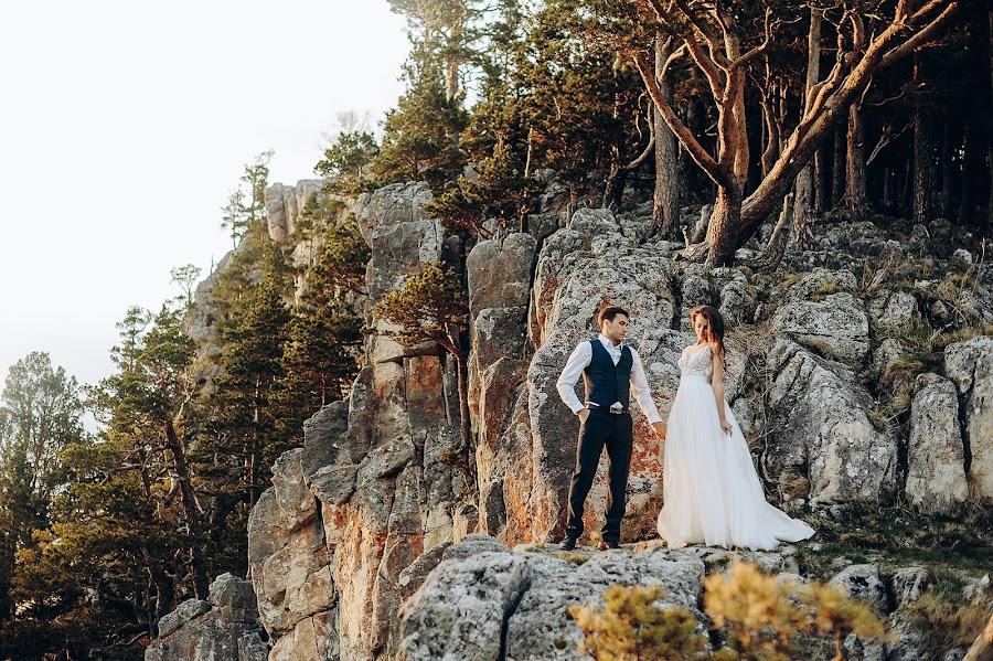 Wedding photographer Anton Fofonov (fotonlab). Photo of 10.03.2019