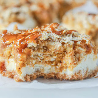 Pumpkin Pie Cheesecake Bars with Caramel Streusel