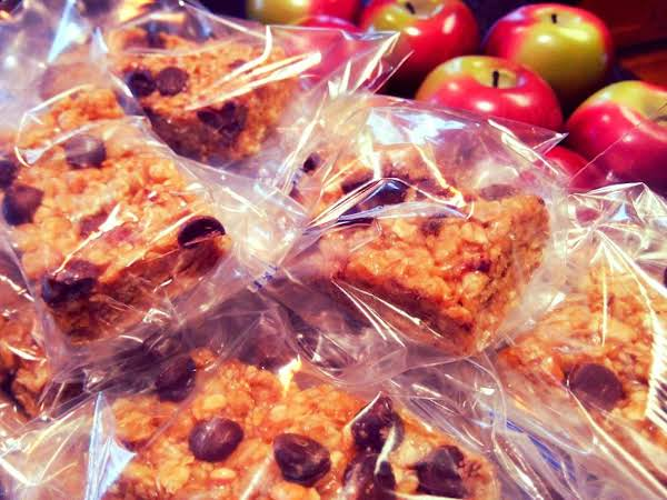 Family Favorite Granola Bars Recipe