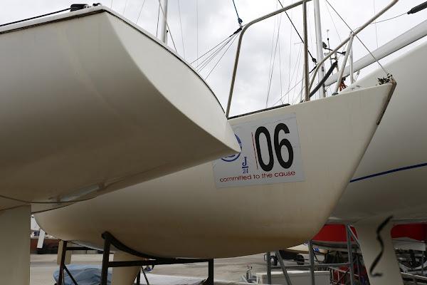 la barca numero 6 di SALVATORE PETRENGA