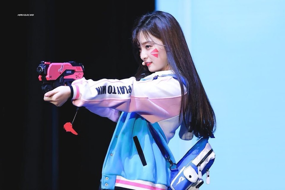 kpopgirlswithguns_nayoung_fromis9