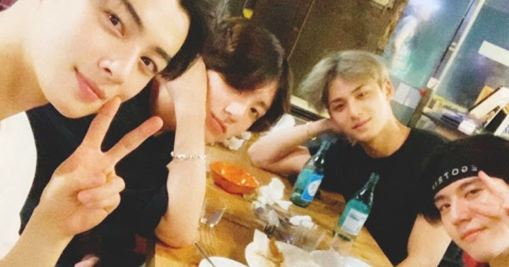 These '97 Liners Met Up For Dinner And Their Friendship Is