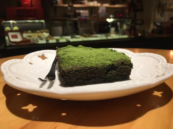 多種以上的巧克力運用烘焙技巧將布朗尼製成,抹茶布朗尼非常好吃😋