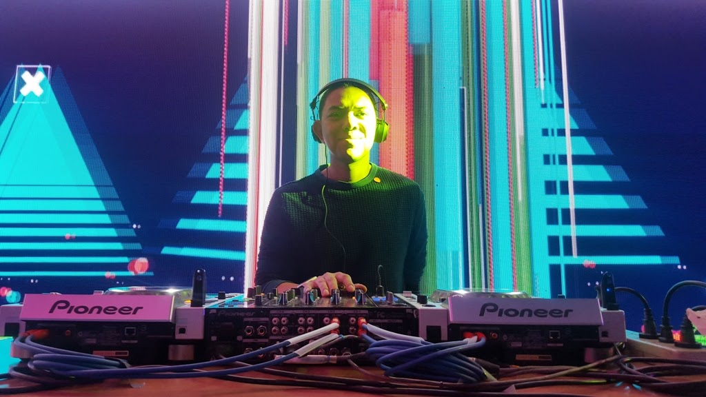WORLD-CLASS DEEJAY MARS MIRANDA TUNES UP THE MIDNIGHT LAUNCH WITH #MUSICMADEMOREWONDERFUL AT THE GLOBE TOWER
