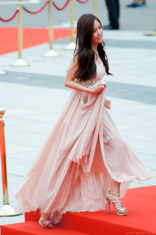 naeun gown 10