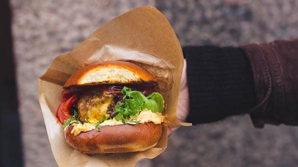 Kaupungin, maan ja koko Euroopan parhaat burgerit ovat saatavilla jälleen maanantaista alkaen.