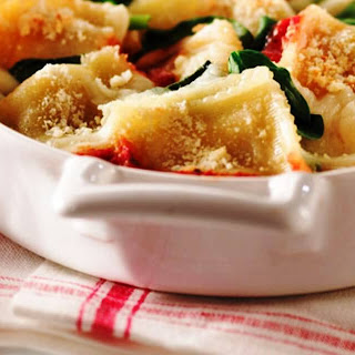 Fast and Easy Ravioli with Spinach and Cheese.
