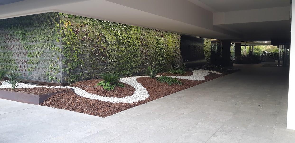 Jardín vertical instalado en el hotel don pancho en benidorm