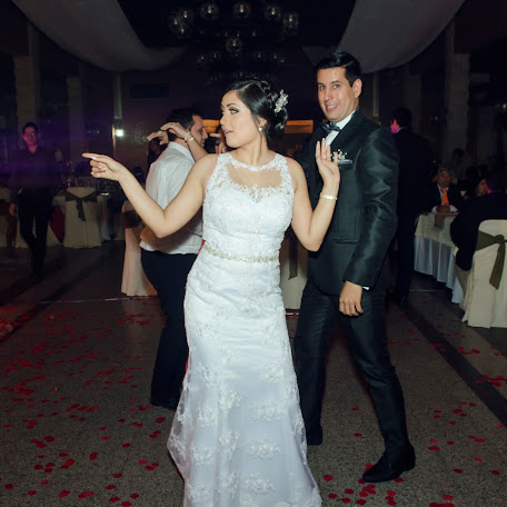Wedding photographer Katty Estigarribia (katyrro). Photo of 03.10.2017