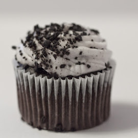 Cookies and Cream by Sherry Hallemeier - Food & Drink Cooking & Baking ( mini, cookie, foods, bakery, black, food photography, cream, food, baking, white, wall art, cooking, desert, cupcake, dellicious,  )