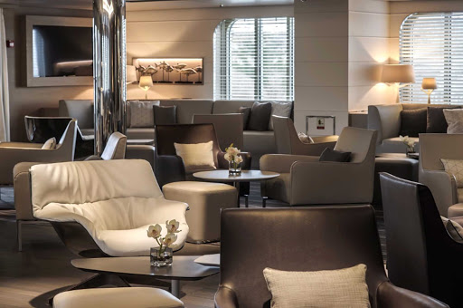 The lounge on Le Soleal is a meeting place for passengers traveling to French Polynesia and Easter Island.