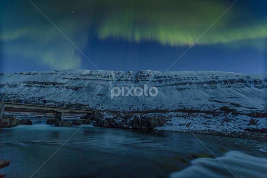 by Arni Thor Sigmundsson - Landscapes Starscapes