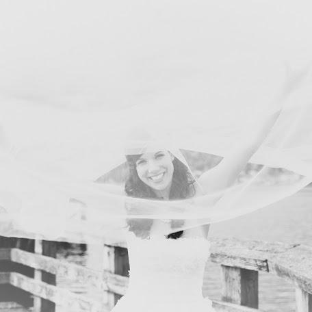 Свадебный фотограф Roxana Albusel (roxanaphotograp). Фотография от 10.02.2015