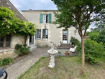maison à Maillezais (85)