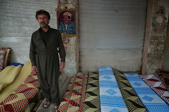 Photo: Carpet seller, Hawler (Erbil), South Kurdistan, (Iraq) 2011