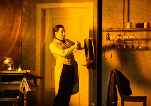 Photo: Wien/ Theater in der Josefstadt: FRÄULEIN JULIE von August Strindberg. Premiere 6.10.2015. Inszenierung: Anna Bergmann. Florian Teichtmeister. Copyright: Barbara Zeininger