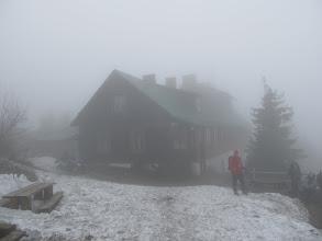 Photo: 05.Wielka Racza (Veľká Rača) wita nas mgłą i brakiem widoków. Ot taki foch starej złośliwej góry...