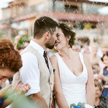 Wedding photographer Spyros Karvounis (spyroskarvounis). Photo of 04.07.2017
