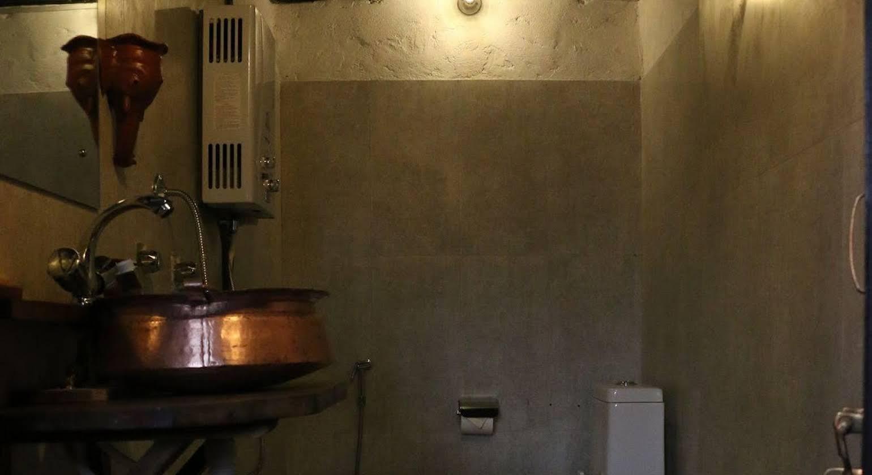 Hira Guest House