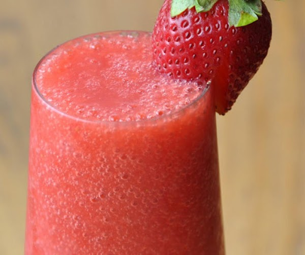 Non-dairy Strawberry Smoothie Recipe